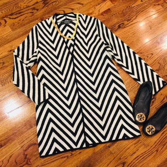 d8084170d2 Kasper Sweaters - Kasper Black Cream Chevron Striped Long Cardigan